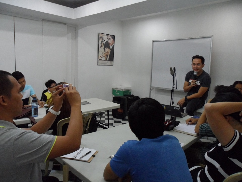 The VoiceMaster Motivates Aspiring Broadcasters in VOTY Radio Broadcasting Academy
