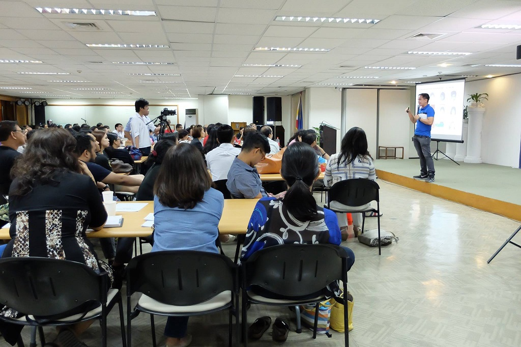 The VoiceMaster Inspires Aspiring Coaches in Negosyo University Coaching Business Seminar
