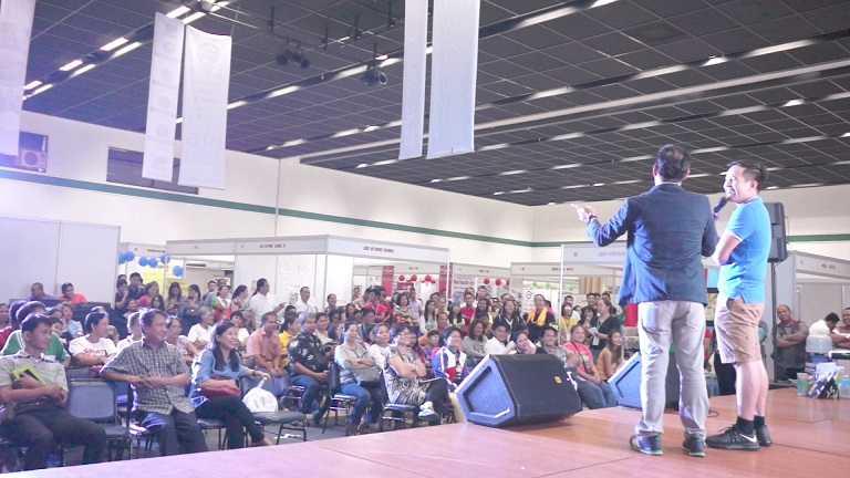The VoiceMaster inspiring the participants of KLM Expo 2016