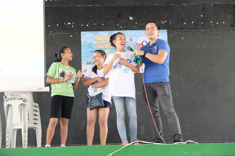 students-volunteered-to-come-up-on-stage-to-showcase-their-talent