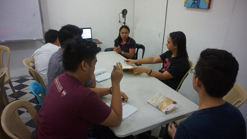 yfs-mentor-ada-cuaresma-facilitates-self-discovery-workshop