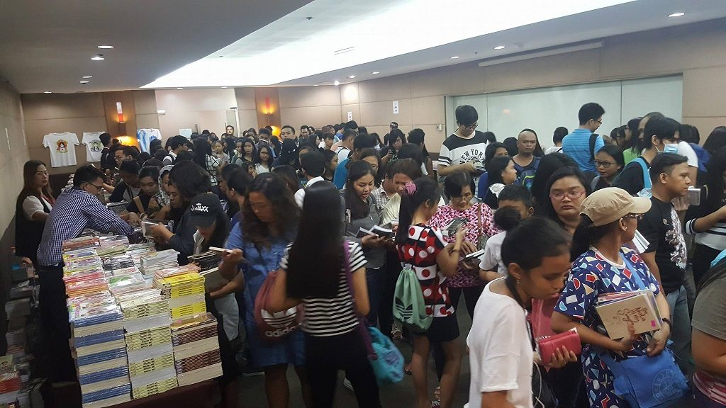 psicom-dreaming-of-a-write-christmas-book-sale