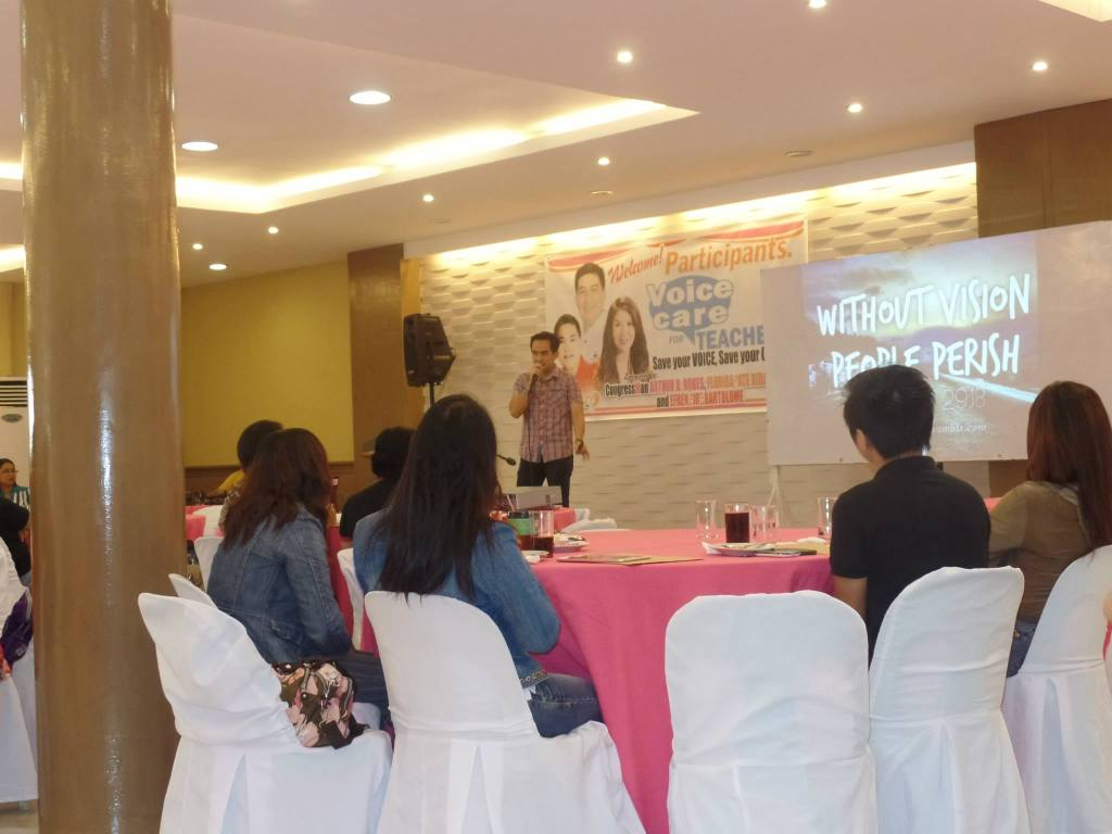 The-VoiceMaster-talks-about-Generation-Z-in-Voice-Care-for-Teachers-Workshop.jpg