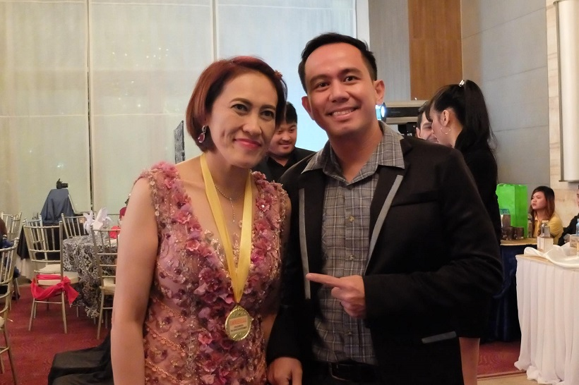 with-fellow-philippine-social-media-star-achiever-awardee-ai-ai-delas-alas
