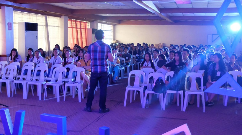 Filipino motivational speaker in ELEVATE - Marketers Explore the Digital World
