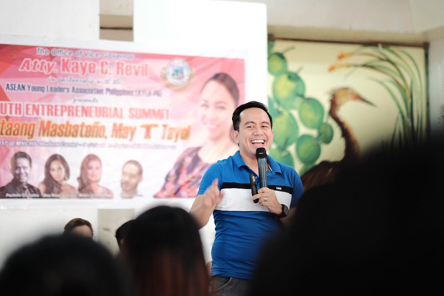 Filipino Motivational Speaker speaks at the Youth Entrepreneurial Summit in Masbate