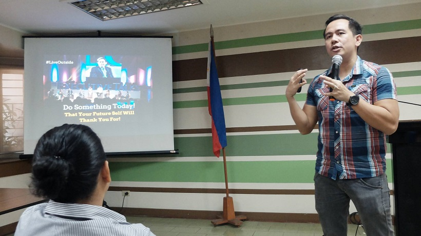 Filipino motivational speaker talks about 8 to be GREAT