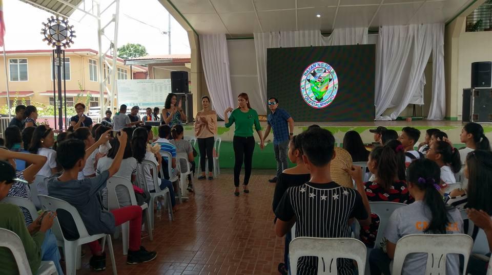 Filipino motivational speaker with Vice Mayor Jennifer Cruz, Bea Rose Santiago and Elaine Moll