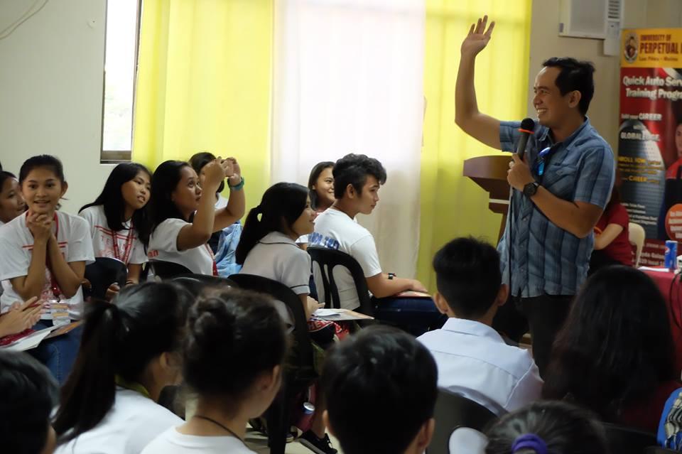 Filipino motivational speaker inspired attendees of Journalism Summit