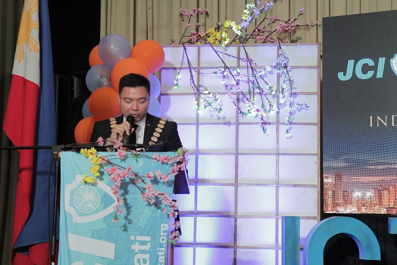 JCI Philippines National President Rix Rafols delivers inspiring speech