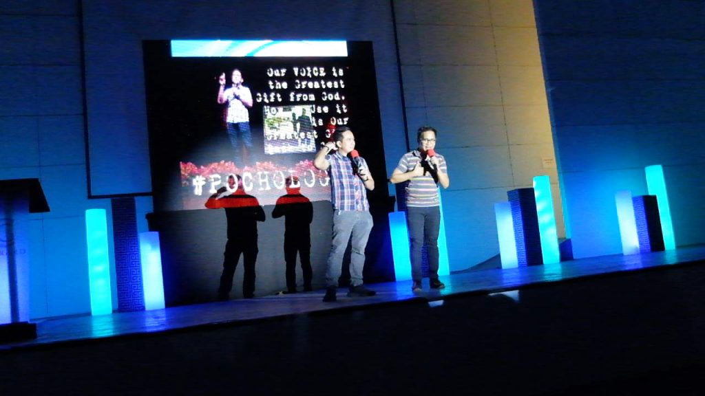 The VoiceMaster shares the stage with one of his Voiceworx students and VoiceMaster's League member Dannes Serrano