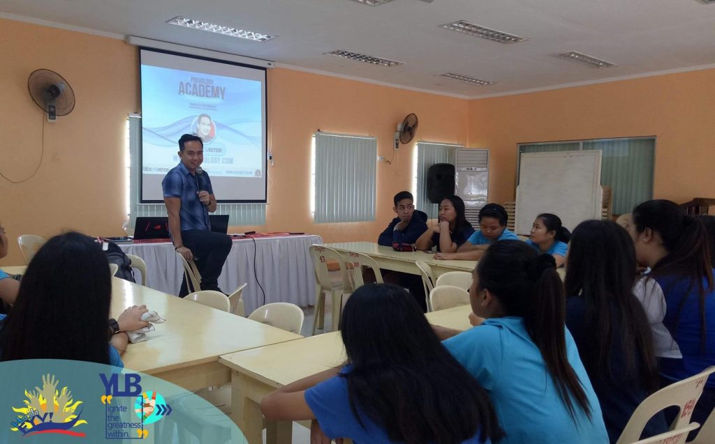 The VoiceMaster facilitates High FYV's Training of Youth Volunteers for the Passi Young Leaders Bootcamp