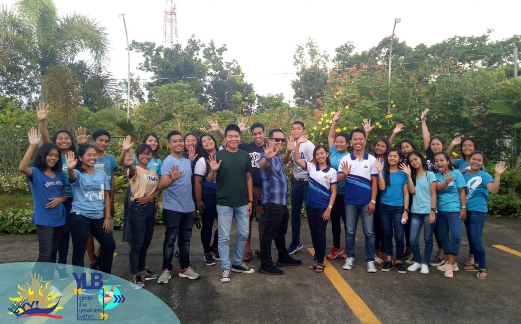 The VoiceMaster with High FYV youth volunteers